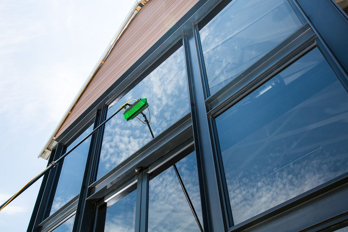 Window Cleaners Swindon Quality Reliable Low Cost Window Cleaning